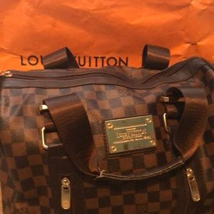 Louis Vuitton medium purse